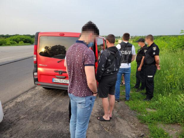 В Харьковской области СБУ ликвидировала канал незаконных пассажирских перевозок с «ДНР»