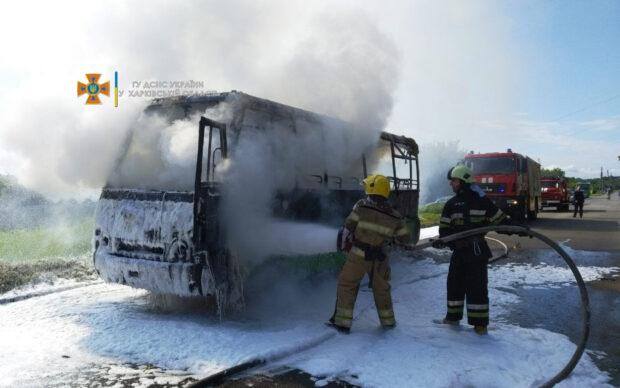 В поселке Жуковского загорелась маршрутка: водитель успел высадить пассажиров