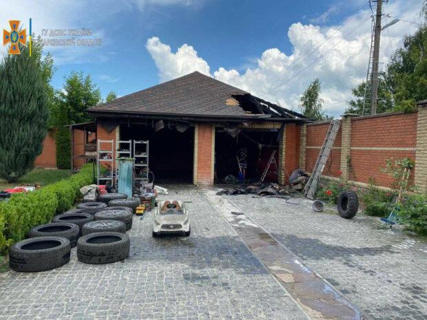Под Харьковом из-за короткого замыкания сгорел гараж