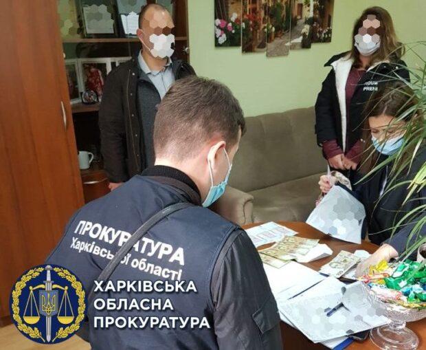В Харькове за коррупцию будут судить полицейского и его сообщника