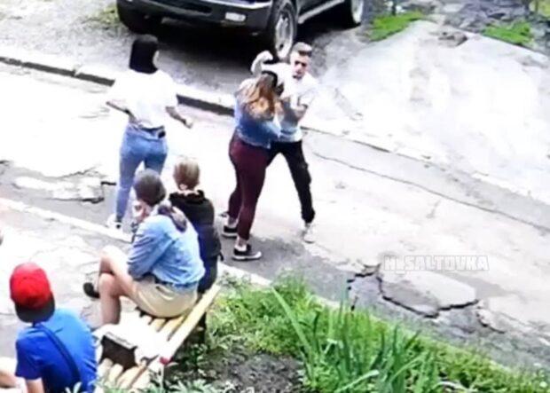 В Харькове подросток жестоко избил девочку: полиция открыла уголовное дело