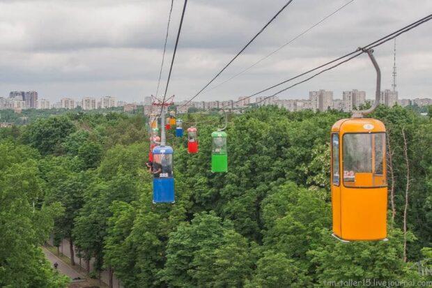 В Харькове парень выпрыгнул из кабинки канатной дороги