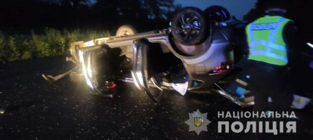 В Харьковской области женщина не справилась с управлением автомобиля и перевернулась