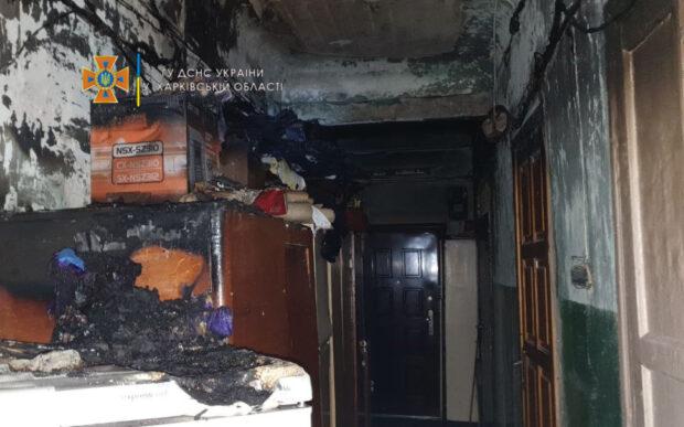 В Харькове во время пожара в четырехэтажном жилом доме пожарные спасли 4 человека и эвакуировали 20 жителей