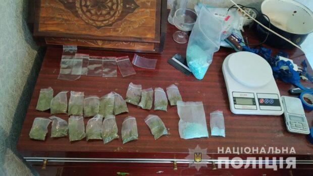 В Харькове солдат сбывал наркотики