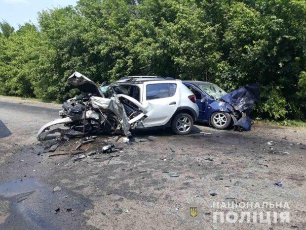 Столкновение легковушек в Красноградском районе: один из водителей умер в больнице