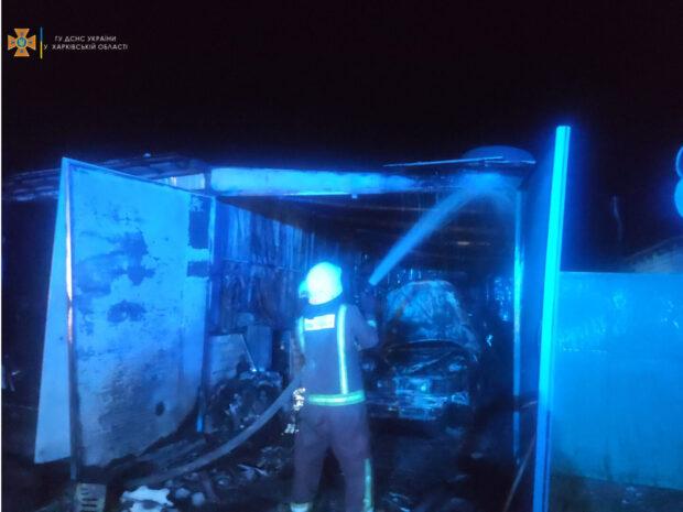 В Харьковской области в результате пожара в гараже взорвался газовый балон: пострадал мужчина