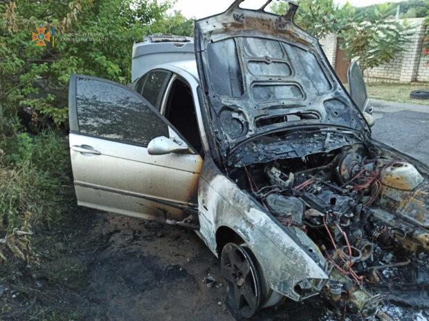 В Харьковской области сгорел легковой автомобиль