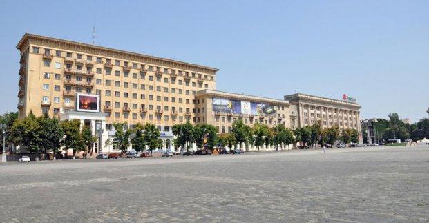 На площади Свободы запрещено движение транспорта