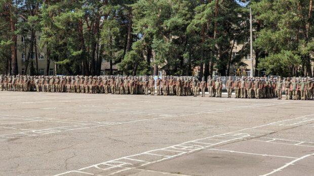 После выполнения боевых задач в зоне проведения ООС в Харьковскую область вернулись бойцы 92 ОМБр