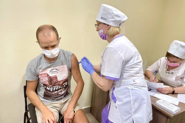 Вакцинированным украинцам при следующем локдауне могут предоставить привилегии - МОЗ