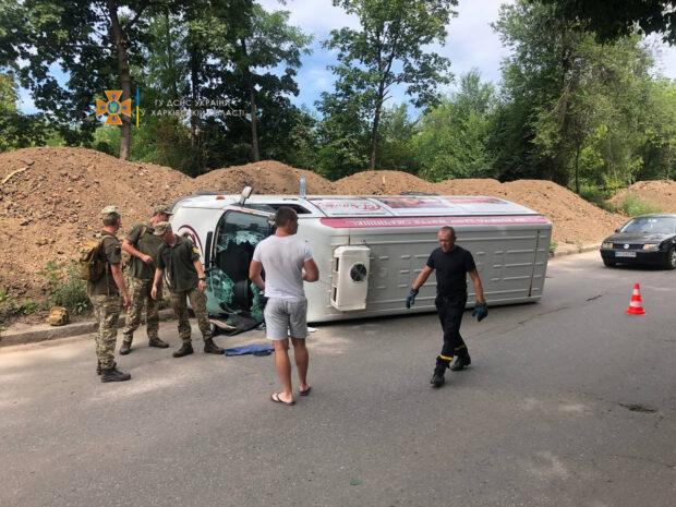 В Харькове в результате аварии погиб водитель микроавтобуса