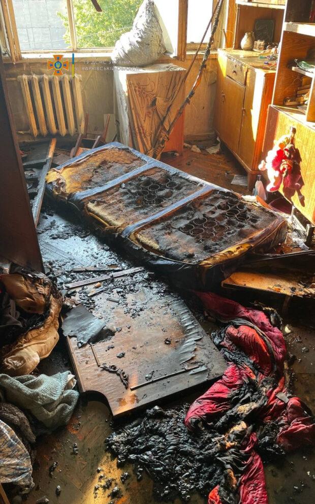 В Харькове спасатели эвакуировали пятерых жителей жилой пятиэтажки из-за пожара