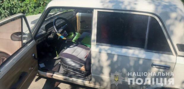 На Харьковщине двое пьяных угнали автомобиль и врезались в забор