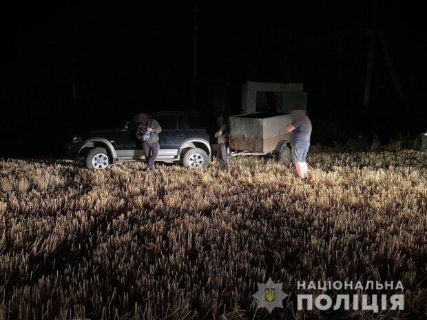 Под Харьковом трое мужчин пытались разукомплектовать трансформаторную подстанцию газопромышленного комплекса