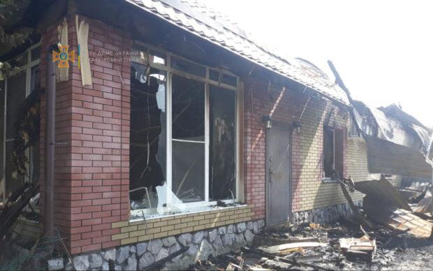 В селе под Харьковом сгорел двухэтажный дом