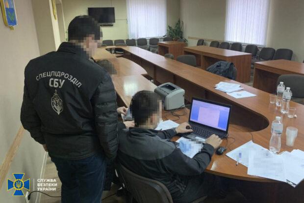 В Харьковской области СБУ разоблачила схему хищения бюджетных денег, выделенных на закупку техники
