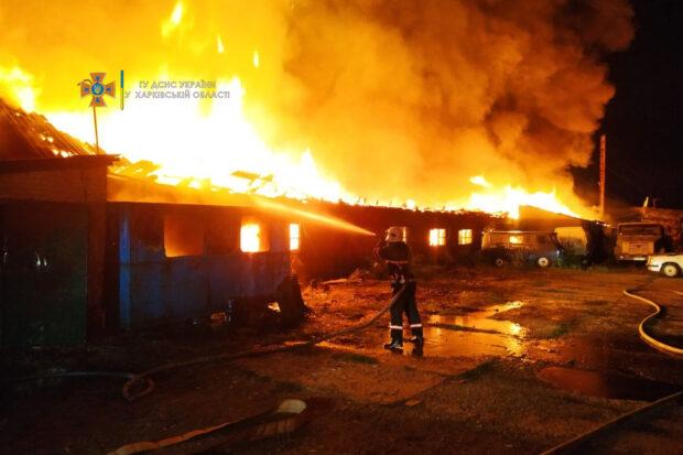 Под Харьковом сгорел мебельный цех