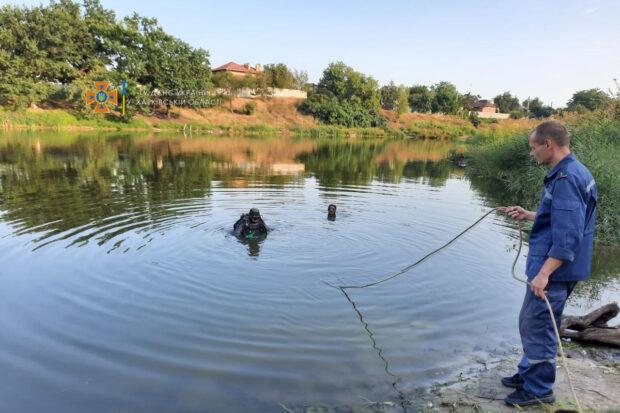В полиции сообщили подробности гибели подростка на озере в Харькове