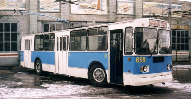 В День города харьковчане смогут прокатиться на исторических троллейбусе и трамвае