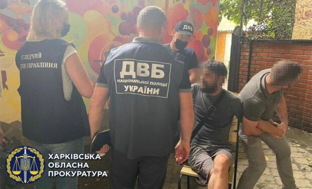В Харькове задержали мужчину, который вымогал несуществующий долг и угрожал бывшей девушке