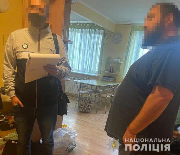 Полиция Харьковщины сообщила о подозрении преступной группе, которая незаконно завладела правами фирмы на 10 млн гривен
