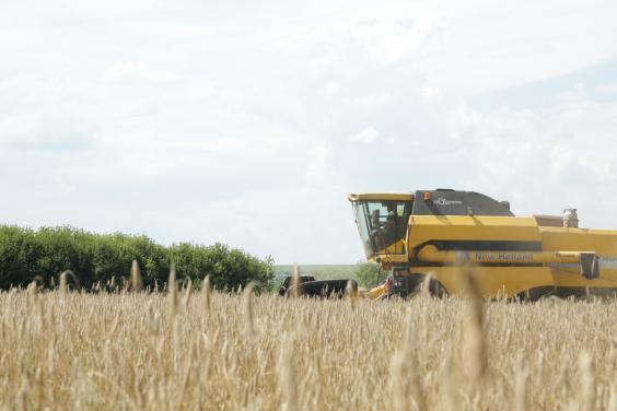 Аграрии Харьковщины завершают уборку ранних зерновых и зернобобовых культур