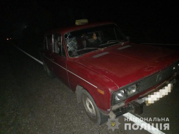 В Харьковской области насмерть сбили мужчину, который шел по обочине дороги