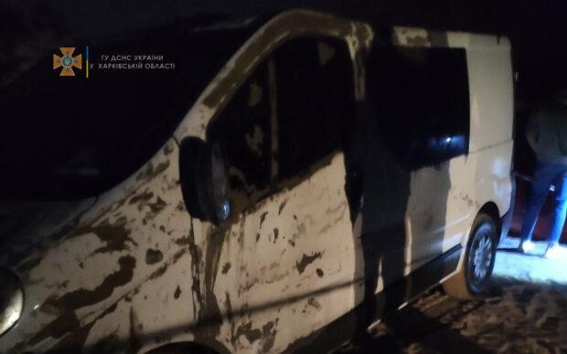 Под Харьковом в озере утонул микроавтобус с людьми