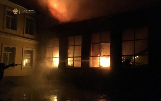 Систему пожарной сигнализации для школы в Чугуеве, которая горела ночью, заказали месяц назад