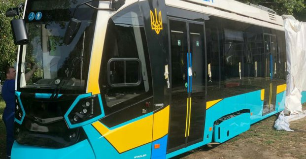 В Харьков для испытаний прибыл швейцарский трамвай