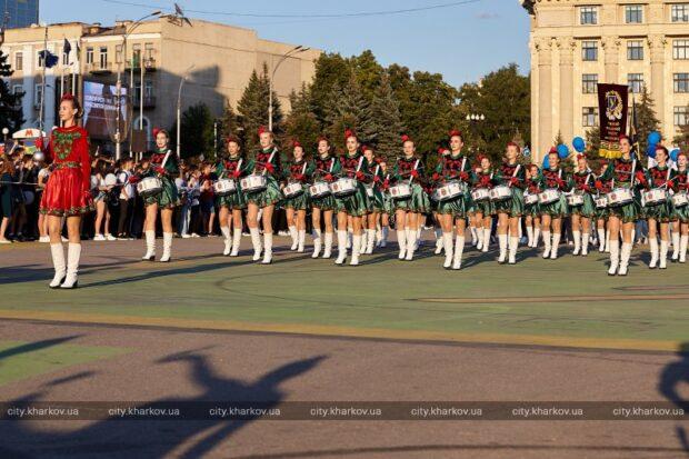 На площади Свободы прошел парад-карнавал, посвященный Дню знаний
