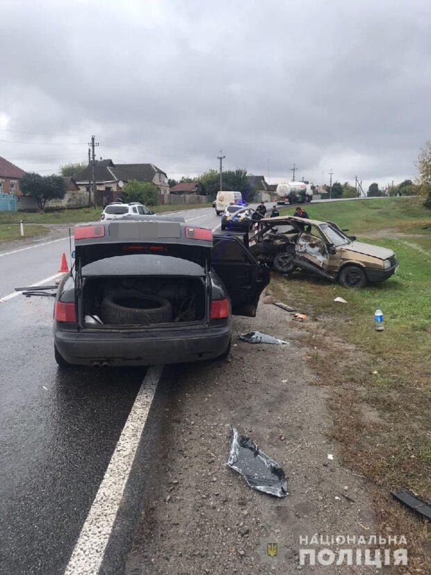 В Харьковской области в результате столкновения автомобилей пострадал водитель