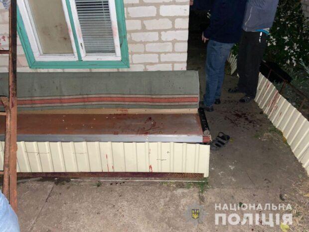 В Харьковской области задержали злоумышленника, который пришел отдавать долг и убил мужчину