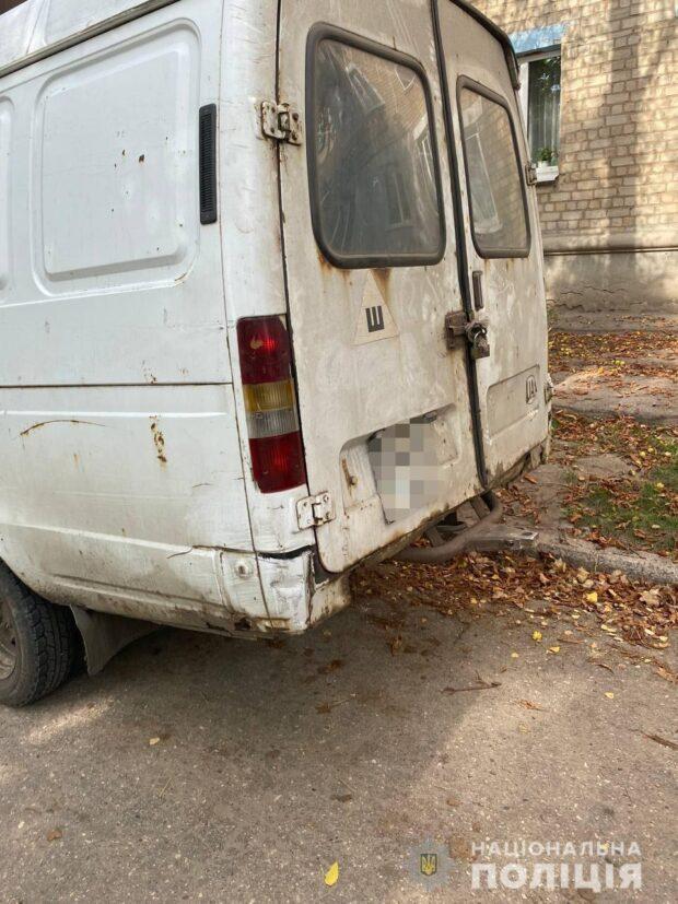 В Харькове рабочий, который должен был отремонтировать автомобиль угнал его