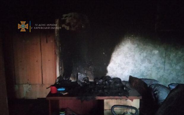 Под Харьковом в результате пожара 19-летний парень получил ожог руки и отравление угарным газом