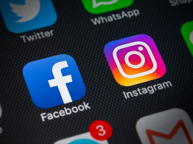 Глобальный сбой в Facebook, Instagram и Whatsapp: Цукерберг теряет миллиарды, сотрудники компании не могут попасть в офис
