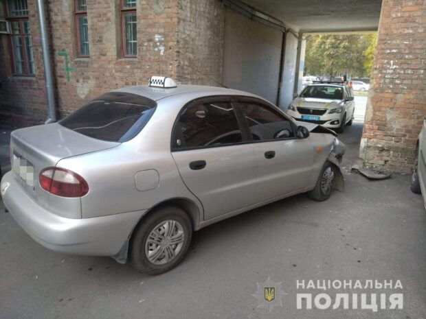В Харькове за рулем умер водитель такси