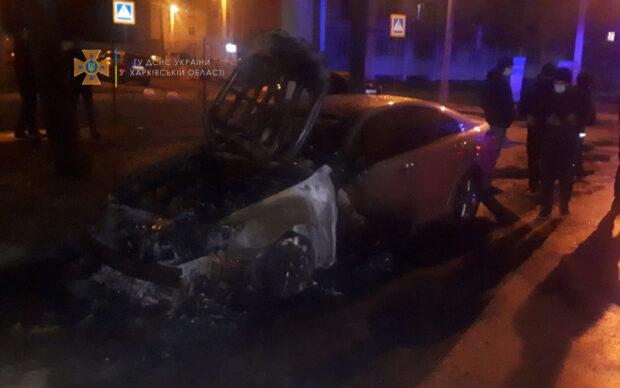 В Харькове прокурору, который раньше работал в СБУ, сожгли автомобиль
