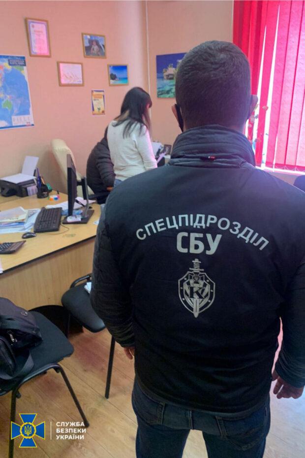 В Харькове СБУ разоблачила очередную схему подделки ПЦР-тестов: злоумышленники зарабатывали до 500 тысяч гривен ежемесячно