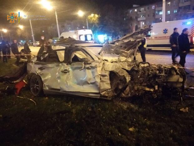 """Смертельная автокатастрофа на проспекте Гагарина: отец подростка говорит о """"спланированной акции"""" против его сына"""