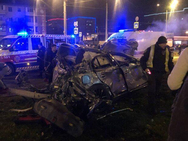 В Харькове в результате столкновения автомобилей погиб человек